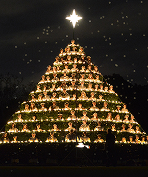 Singing Christmas Tree.Belhaven Celebrates 84 Years Of Singing Christmas Tree Tradition