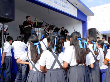 Peruvian school children watch Belhaven Connections perform